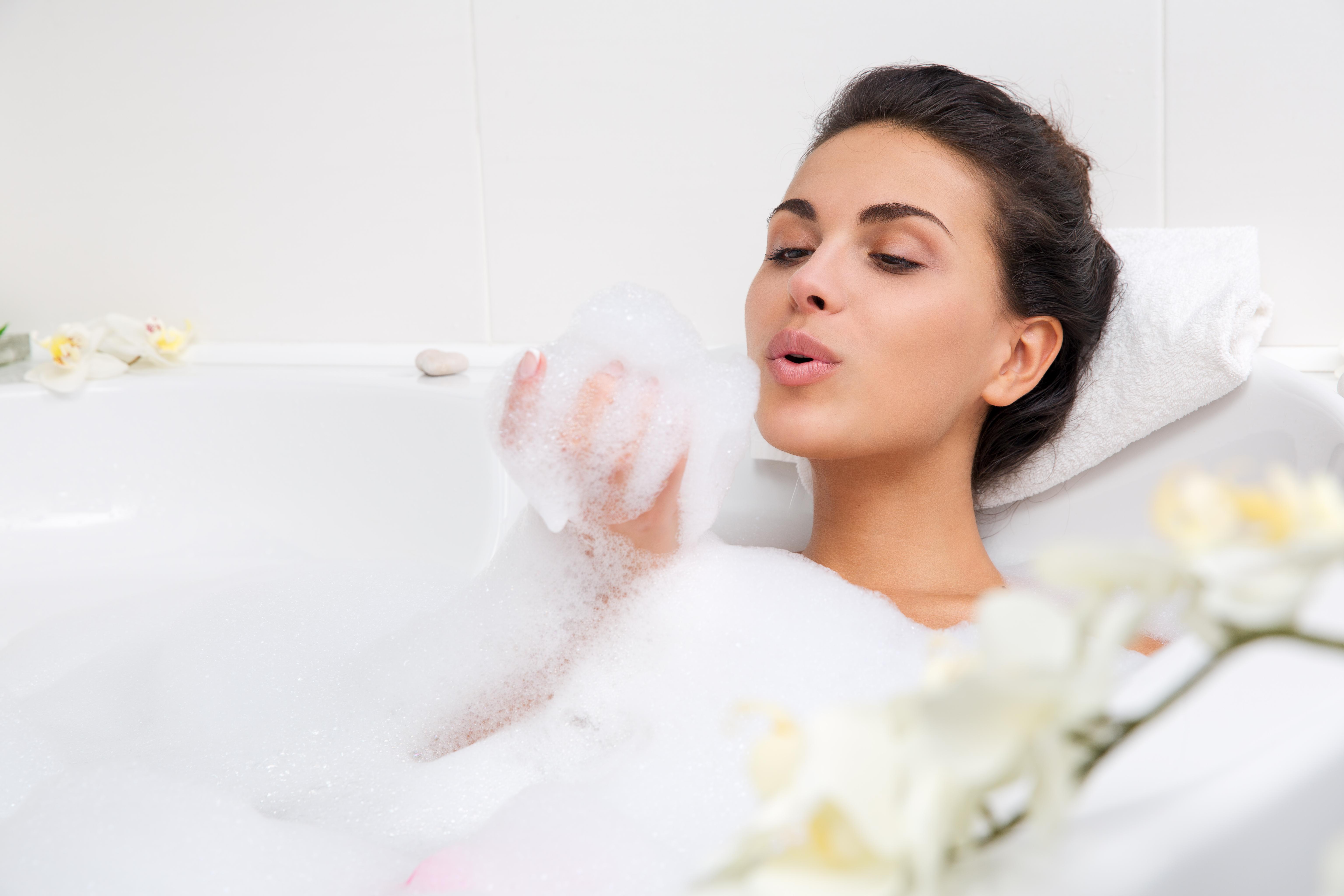 Как сделать пену в ванной из шампуня